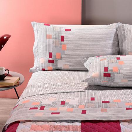 lenzuola e federe grigie con quadrati colorati